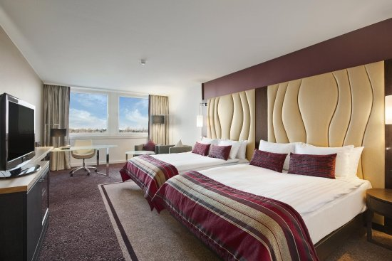 Hilton Vienna Danube Waterfront: Double Queen Plus