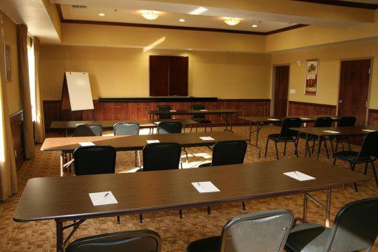 Gainesville, TX: Meeting Room