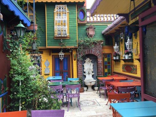 Kybele Hotel: Peaceful interior garden