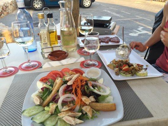 Restaurante Es Mollet De S'illot: photo0.jpg