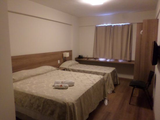 quarto cama casal + 1 solteiro Foto de Hotel Malibu Inn  ~ Quarto Casal Hotel