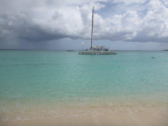 Simpson Bay, St. Maarten-St. Martin: la plage a anguilla du sable fin comme de la farine