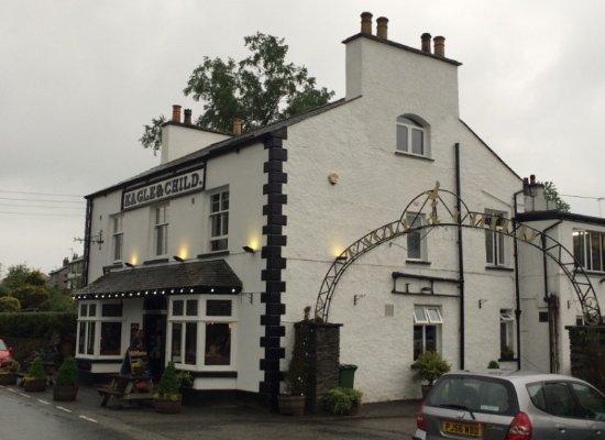 Staveley, UK: Charming, traditional English pub