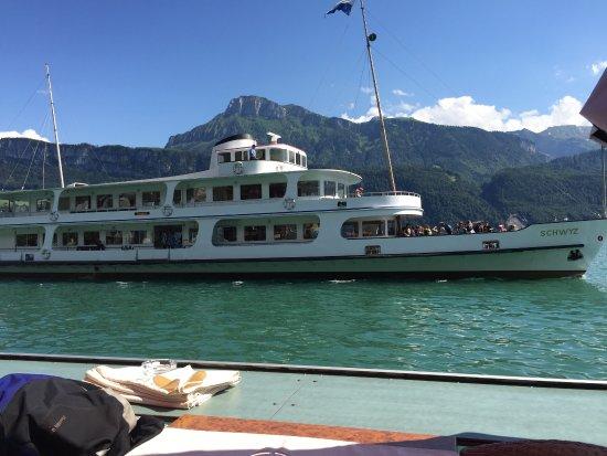Gersau, Schweiz: The Schwyz docks close by