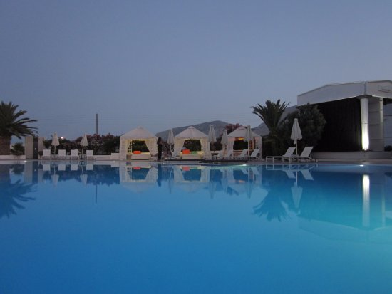 Imperial Med Hotel, Resort & Spa: tramonto in piscina