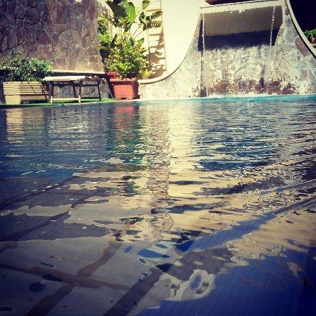La Filadelfia: Cascata della piscina per cervicale