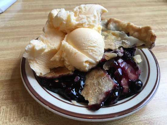 Quemado, NM: Slice of blueberry with a scoop of ice cream