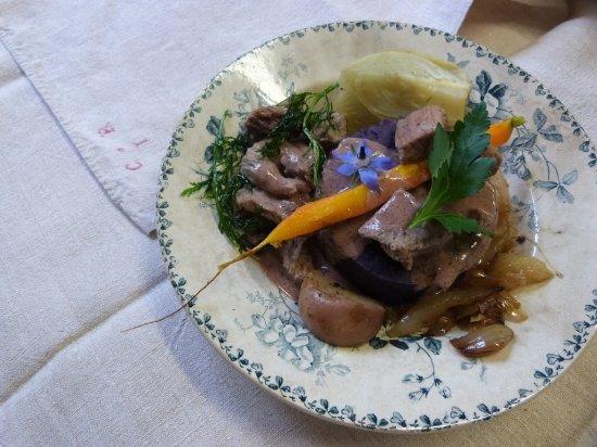 Arnay-le-Duc, Frankreich: Quasi de veau purée de vittelotes