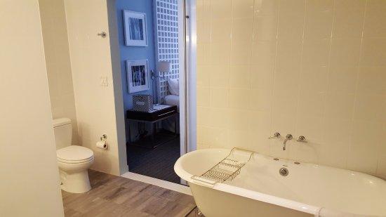 Kimpton Lorien Hotel Spa Bathroom Looking Into The Room
