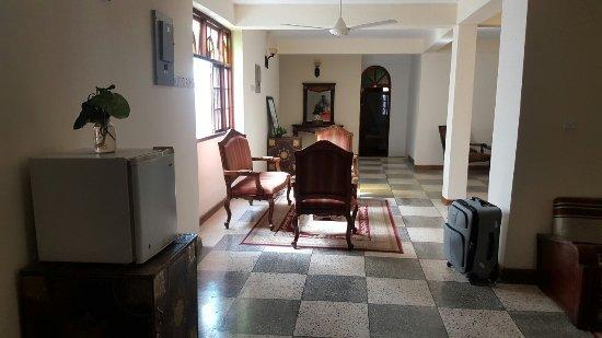 Abuso Inn: 20160618_100702_large.jpg
