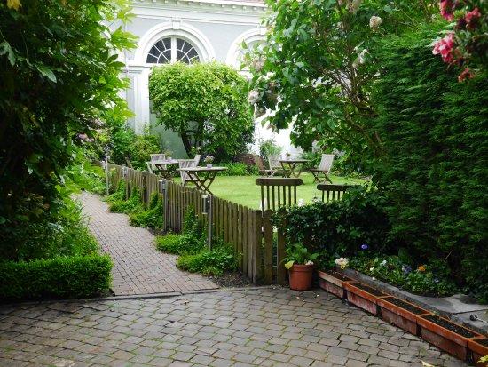 Hotel Patritius: Jardín