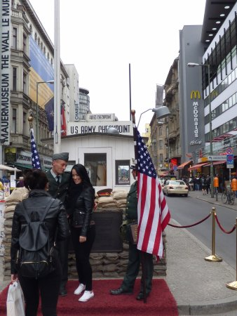 Alla Private Tours: Checkpoint Charlie