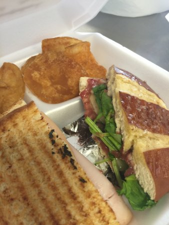 Gidget's Sandwich Shack: photo0.jpg