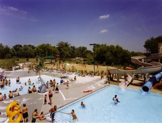 Hanover Park, Park District Seafari Springs Aquatic Center