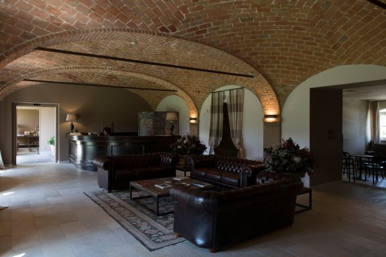 Spinerola Hotel & Restaurant in Cascina: Reception e Bar