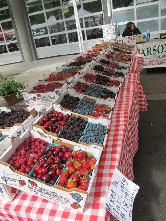 Vancouver Farmers Market - Downtown Market