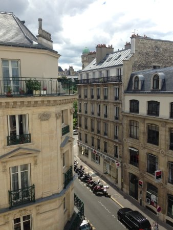 Hotel du College de France: Loved the view from our balcony!