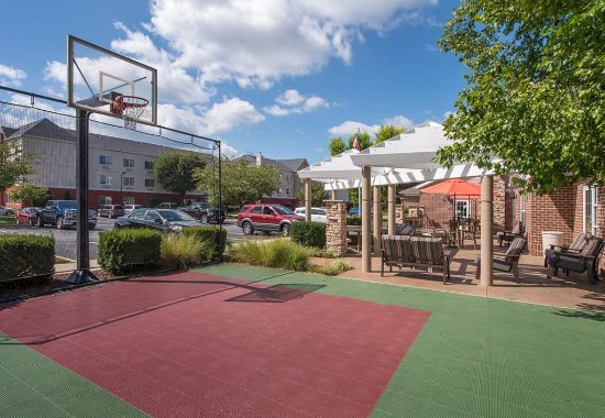 Residence Inn Frederick: Sport Court®