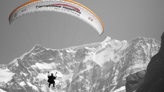Mountain Hostel Grindelwald: Paragliding