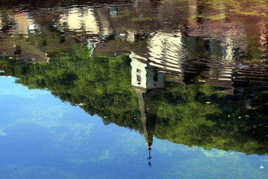 """Résultat de recherche d'images pour """"image reflet d'église dans l'eau"""""""