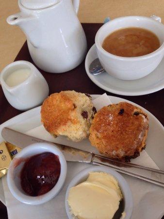Needles Eye Cafe: Cream tea