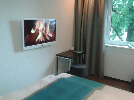 Motel One Hamburg Airport: 20160627_173804_large.jpg