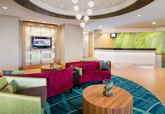 SpringHill Suites Nashville Airport: Front Desk