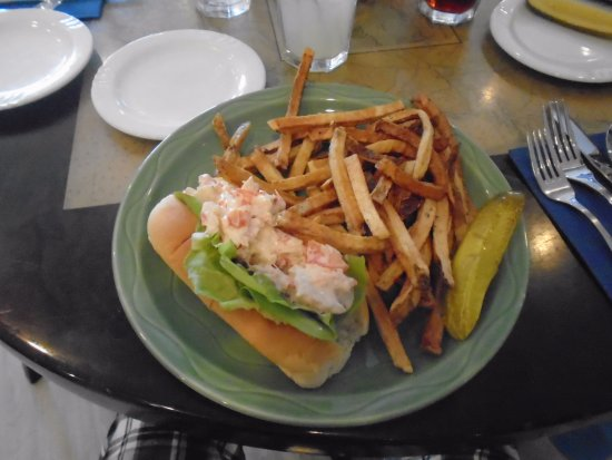 """Manchester-by-the-Sea, MA: """"LOBSTAH"""" ROLL"""