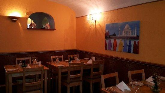 Bollywood Bytes Restaurant: Dinning