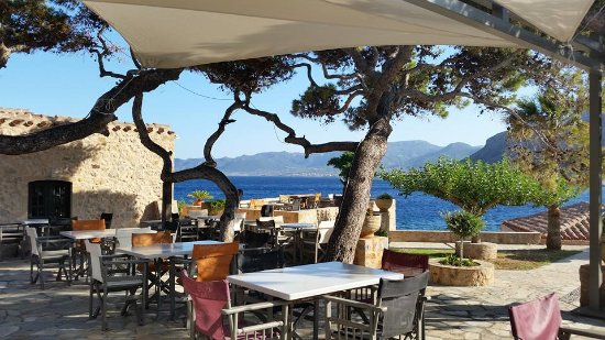 Lazareto Hotel: Terrace to take breakfast