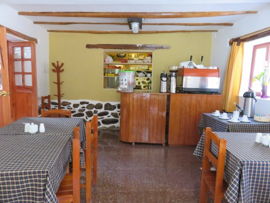La Casa del Abuelo: Other end of breakfast room