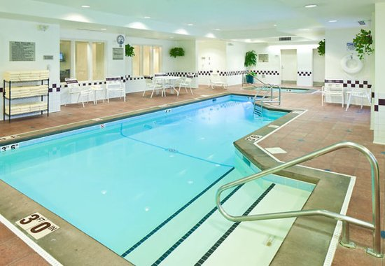 SpringHill Suites Anchorage Midtown: Indoor Pool