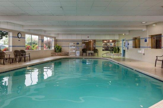 Shilo Inn & Suites Tacoma : Tacoma Pool and Spa