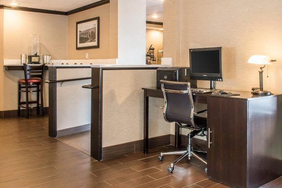 Clarks Summit, PA: Business center
