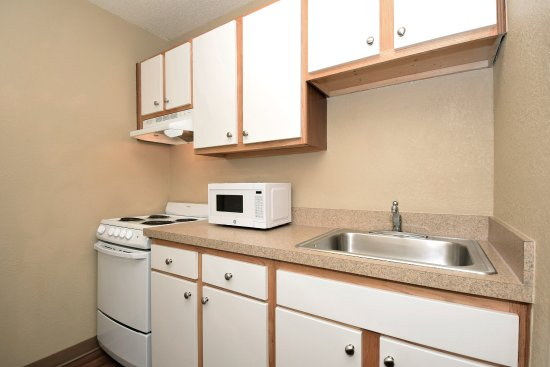 Extended Stay America - Houston - Med. Ctr. - NRG Park - Kirby: Fully Equipped Kitchens