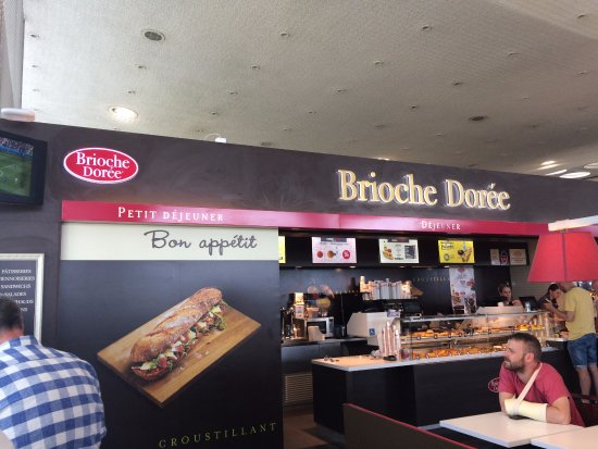 Brioche Doree : same as all other outlets of same name, expensive but necessary!