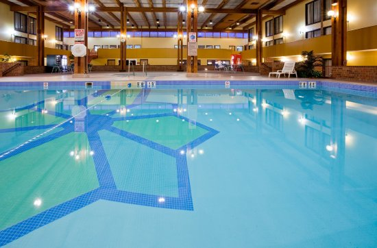 Saint Cloud, MN: Swimming Pool