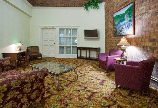 Saint Cloud, MN: Guest Lounge