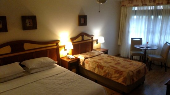 Hotel Recanto da Serra: Amplo, com bom espaço para malas.
