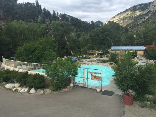 Cottonwood Hotsprings Inn Spa