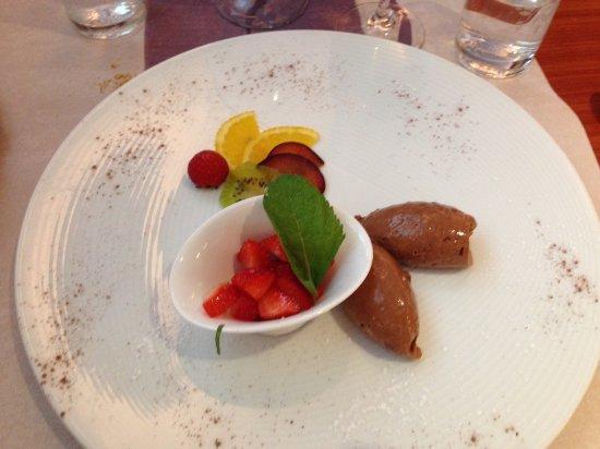 Fully, สวิตเซอร์แลนด์: Dessert: Tartare de Fraise & Mousse au Chocolat