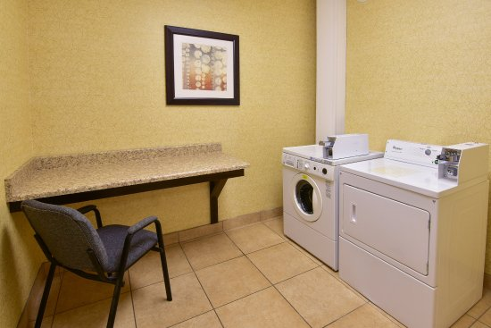 Wauseon, OH: Coin-op Laundry Facility