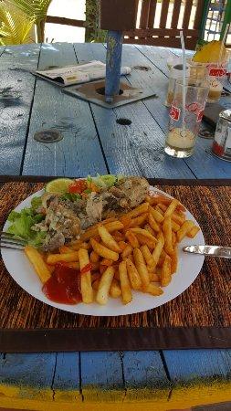 Le Tam Tam Beach : parfait l aceuil les plats le cadre  un grand merci à michel qui nous as très bien reçus  les pl