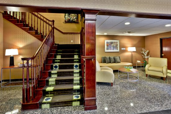 Holiday Inn Express Woodhaven Lobby