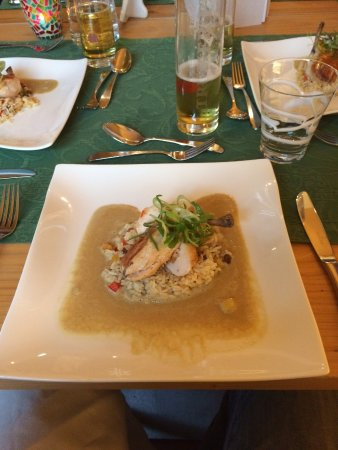 Der Waldhof: Chicken for dinner