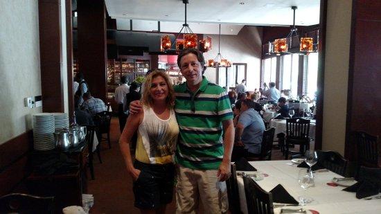 Fogo de Chao Brazilian Steakhouse: Uma bela churrascaria brasileira em Miami Beach.