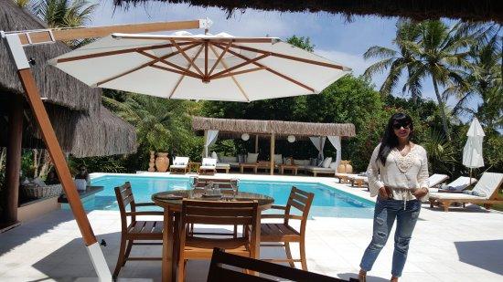 Villas de Trancoso: Área de piscina e restarante