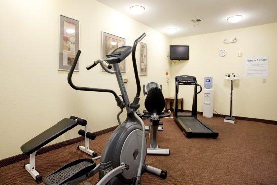 هوليداي إن إكسبرس آند سويتس سالفور (ليك تشارلز): Fitness Center-Ab/Elliptical Machine, Treadmill, Bike,Free Weights