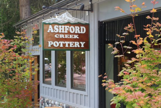 Ashford, Вашингтон: Stop here for some beautiful art!