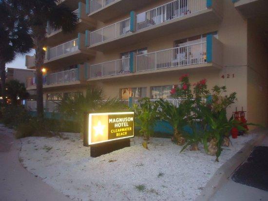 Magnuson Hotel Clearwater Beach: fachada